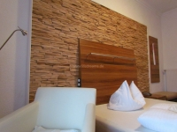 holzpaneele-for-rest-cuts-eiche-hotelzimmer-1