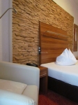 holzpaneele-for-rest-cuts-eiche-hotelzimmer-2